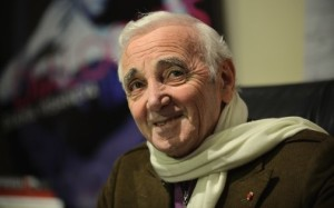 7766481791_charles-aznavour-lors-d-une-interview-a-new-york